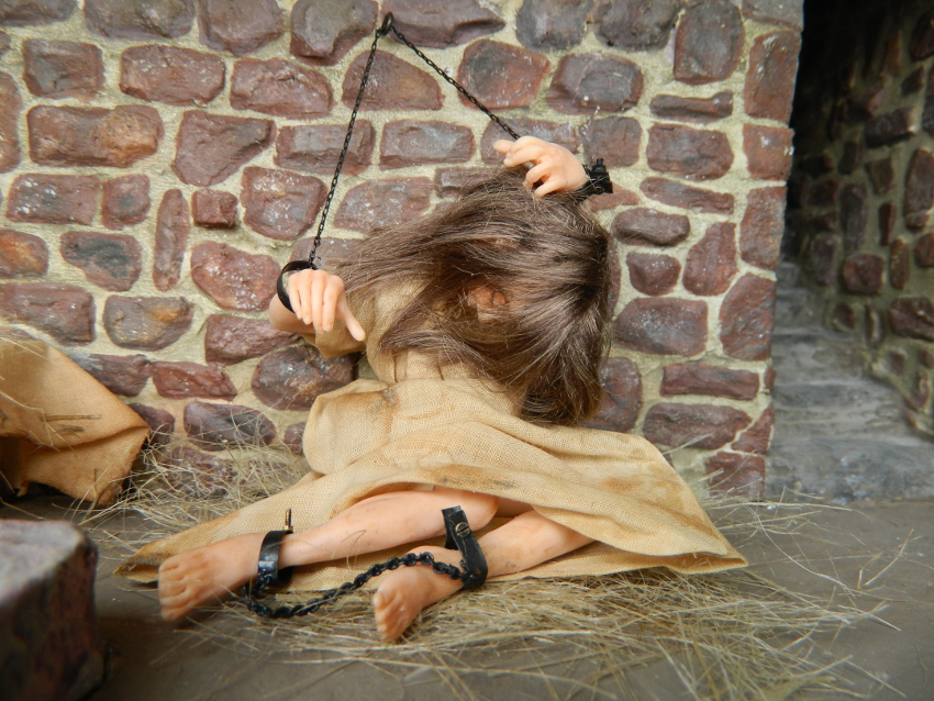 Kleine Leute 1:12: Hexenkerker Mittelalter