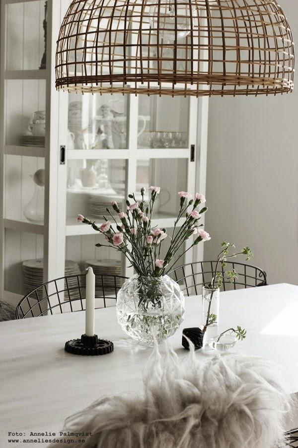 jotex stol ulricehamn, stolar, utemöbler, stolar för utomhus, till trädäcket, vitt fårskinn, vita fäll, fällen, ljusstake kugghjul, inredning, inredningsblogg, webbutik, webshop, webbutiker, butik, anneliesdesign, annelies design & interior, ljusstakar, vitt, svart, svart och vitt, svartvitt, svartvita, blommor, matgrupper, pappersdiamant, pappersdiamanter, diamant, diamanter, papper, pappersdekorationer,
