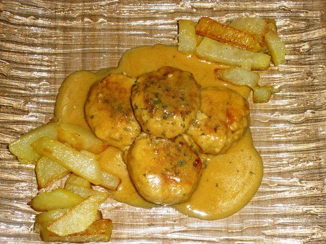 Albóndigas de Pollo al Curry con Leche de Coco