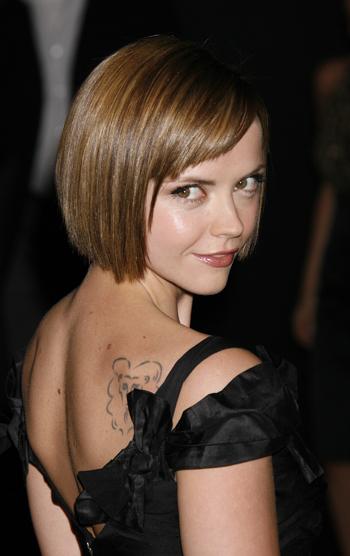 bob haircuts with bangs 2010. medium hairstyle with angs.