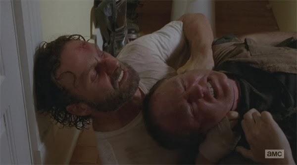 Rick las pasa canutas en  The Walking Dead 4x11 - Claimed