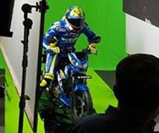 Aleix Espargaro Kepergok Foto Dengan Suzuki Satria FU 150cc Injeksi
