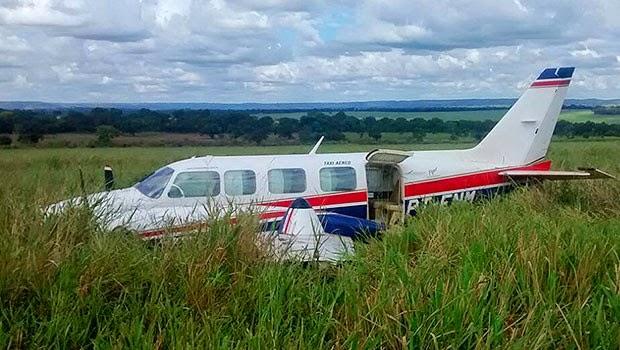 Avião que fez pouso forçado levava Angélica, Huck, filhos e babás (Foto: Walter Barbosa)