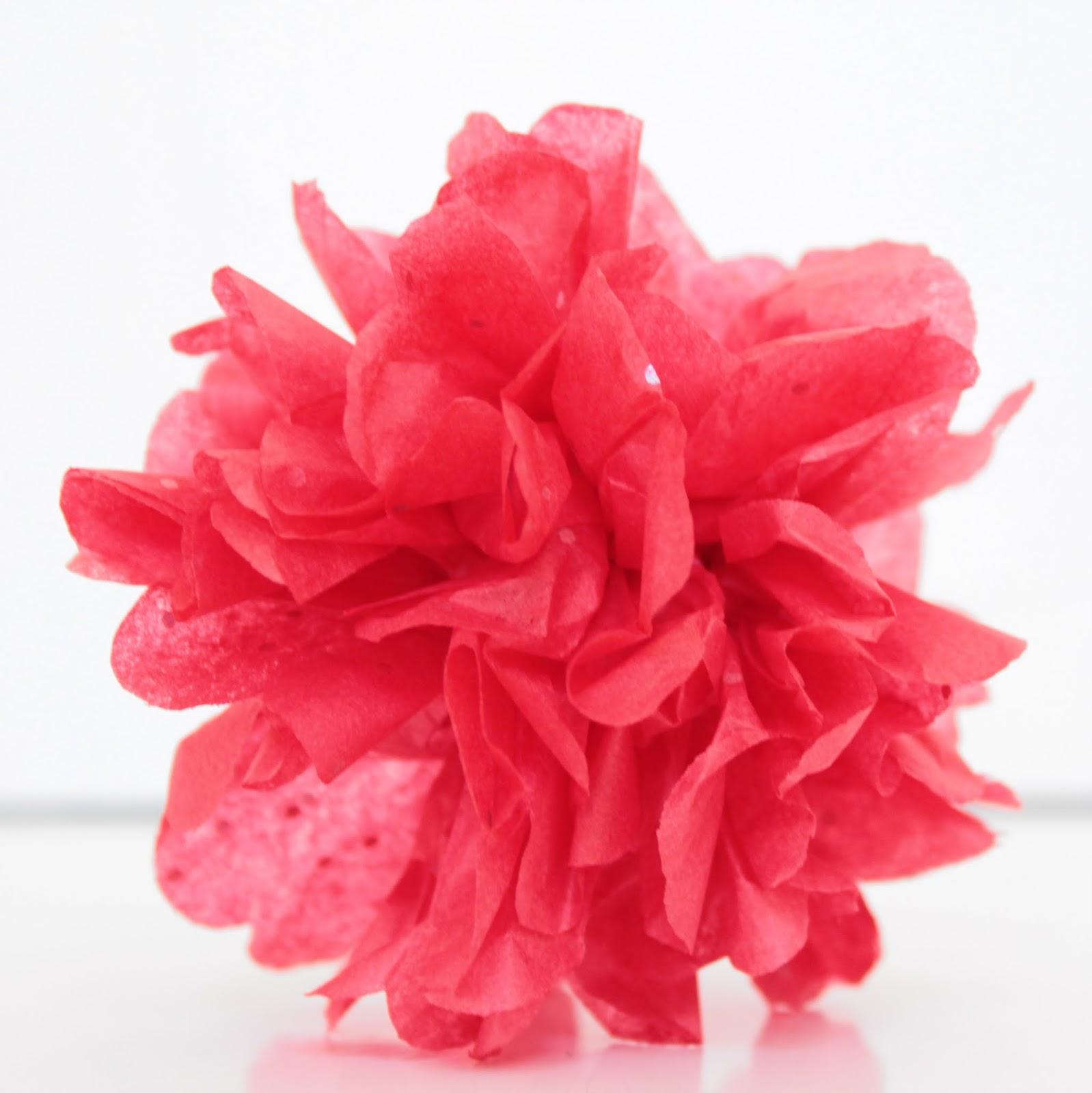 Easy Paper Pom Pom Ornament
