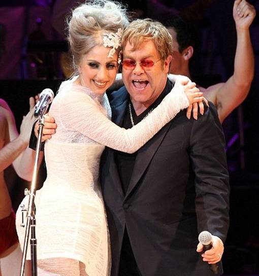 the facemash post - Lady Gaga Jadi Ibu Baptis dan Pembimbing Putra Elton John. Bad (or Good) Romance?