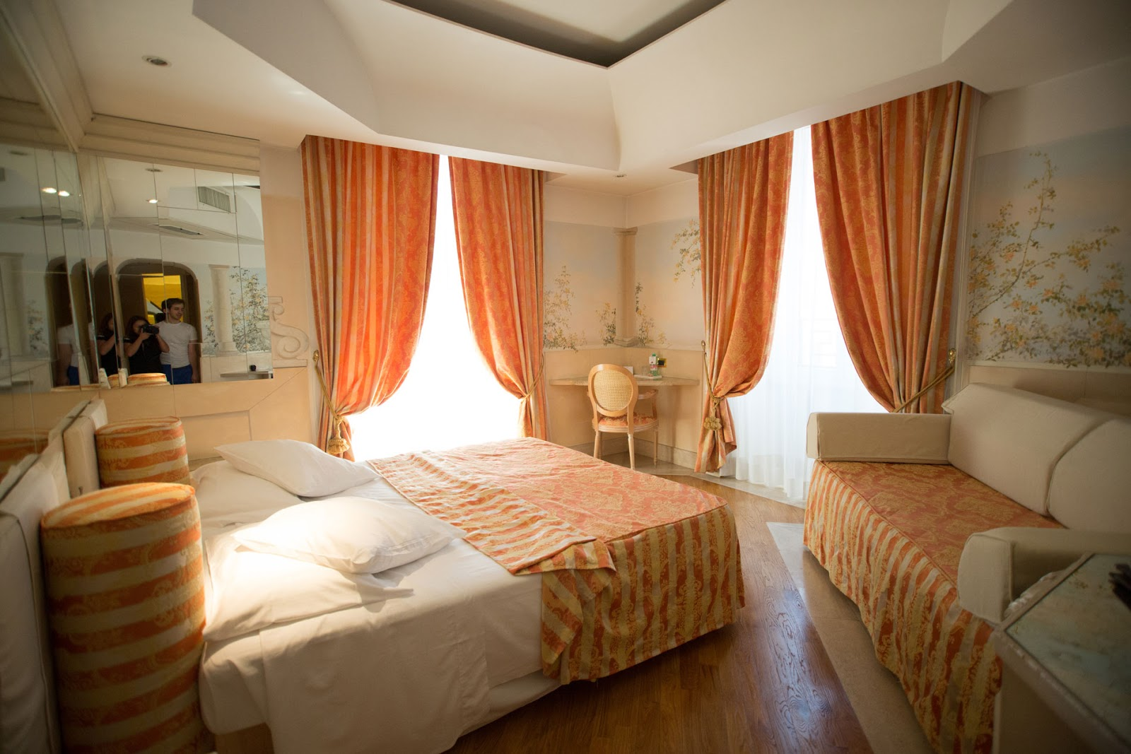 Not bored in rome italy day 1 isa hotel piazza navona for Design hotel isa roma