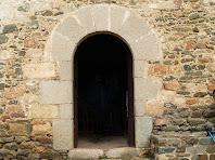 El portal adovellat de Sant Jaume de Rifà