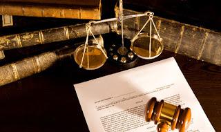 Landasan dan Dasar Hukum Asuransi di Indonesia