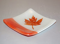 small plate with  mica maple leaf