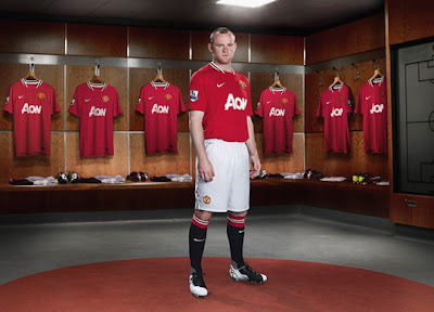 THE TOAST OF THE TOWN.: Manchester United 2011-2012 Home Kit