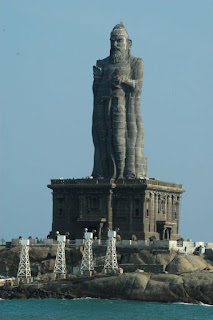the 133 ft Thiruvalluvar Statue at Vivekananda Rock Memorial in Kanyakumari