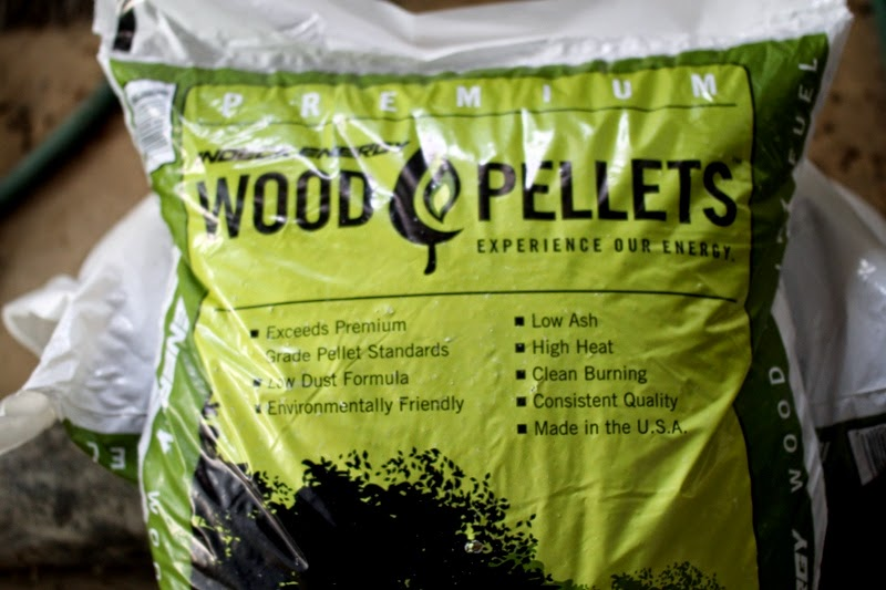 Wood pellets make super absorbing bedding in brooders