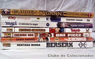 De cima para baixo, primeiras edições de Gurren Lagann, Yu Yu Hakusho, Magi, Toriko, One Piece, Reborn!, e Berserk.