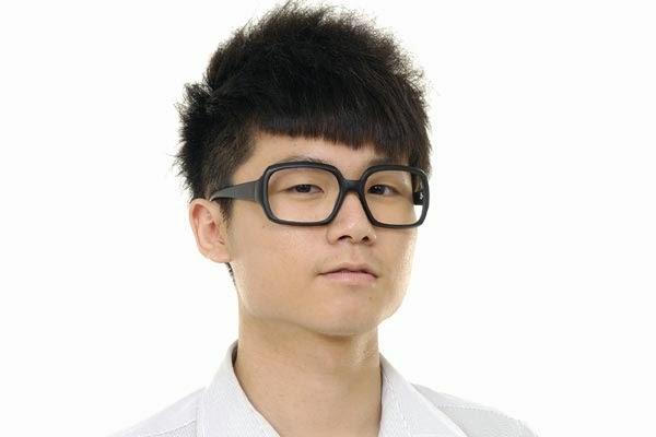 Style Rambut Rebonding Untuk Muka Lonjong