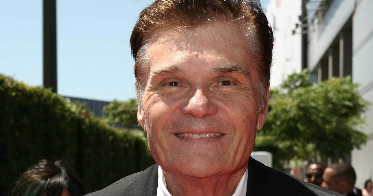 The 78-year old son of father Fred Willard and mother(?), 188 cm tall Fred Willard in 2017 photo