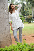 Lakshmi Manchu latest photo shoot gallery-thumbnail-16