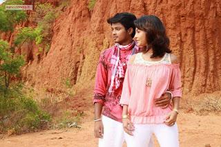 Santhithen-Unnai-Movie-Stills