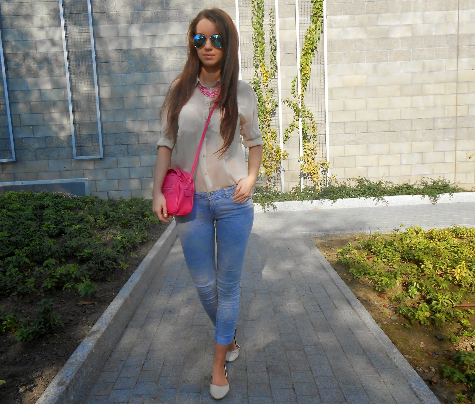 jeans / pink / nude