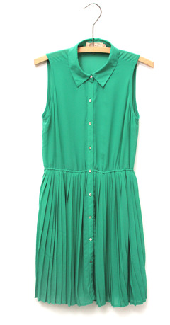 How to wear this pleated summer dress