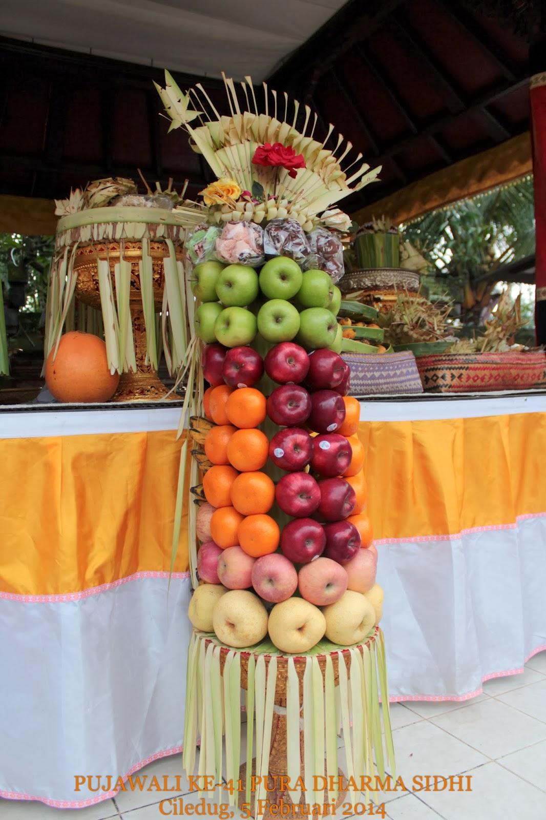 Gebogan buah apel