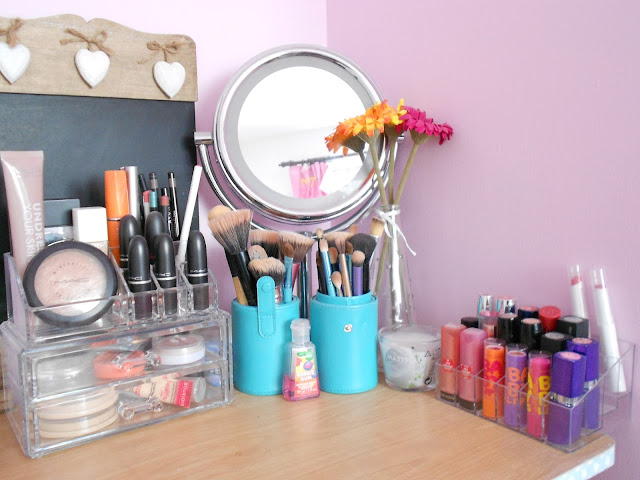 Everyday makeup collection vanity tour