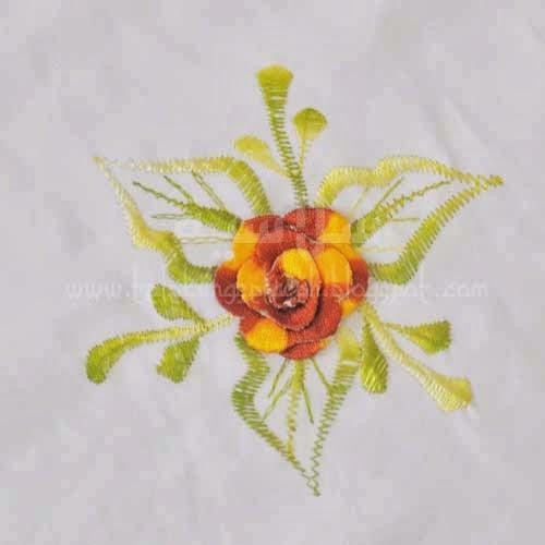 Telekung Vietnam bunga oren-coklat / daun hijau-kuning bunga timbul