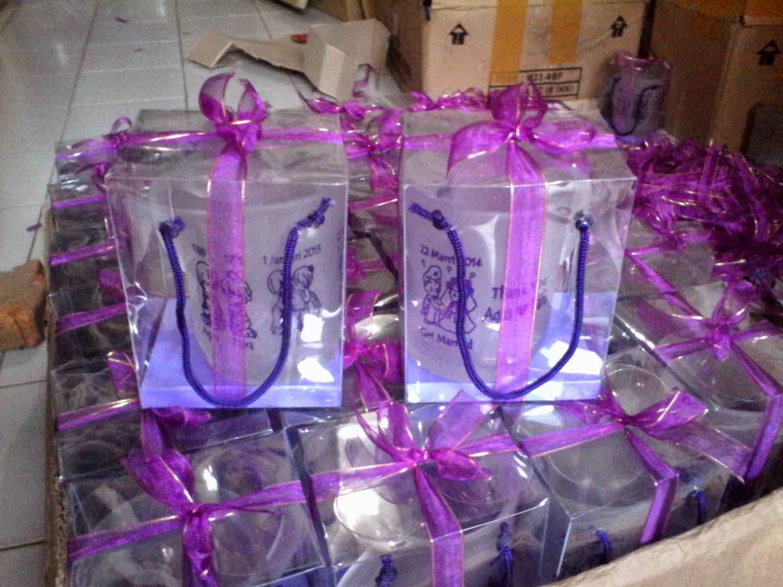 Yanti Souvenir Produksi Gelas Sablon Tangkai Pita Serut Gagang Doff Cetak 1 Warna 4 Gambar Rp 3700 Pcs Kemas Plastik Rp100 Tile Rp600 Mika Rp1700