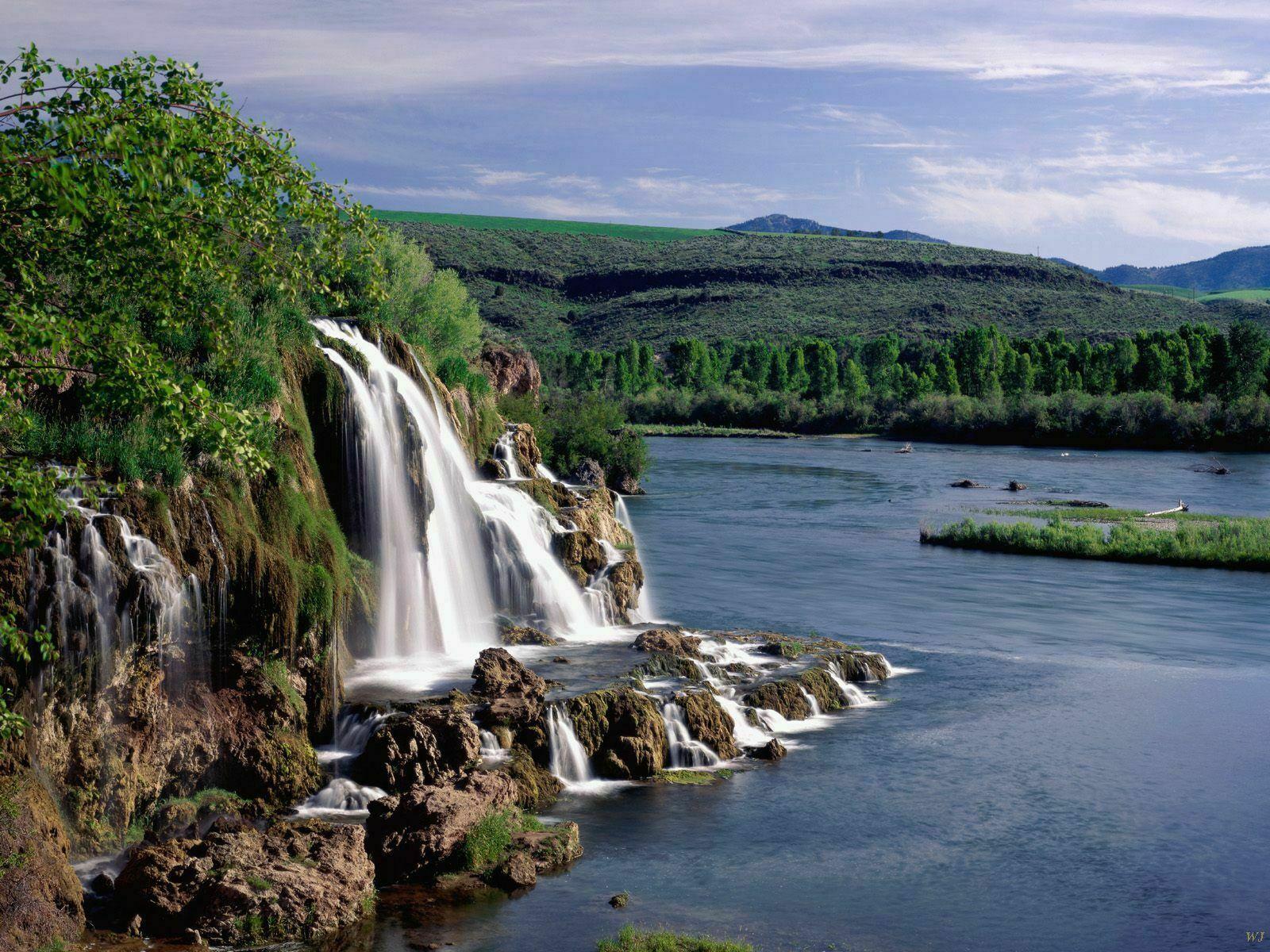 http://3.bp.blogspot.com/-U5s7BEakQ0s/T49hq09zz0I/AAAAAAAAF80/oPfdGfrE61Q/s1600/natural-landscape.jpg