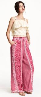 Estos pantalones desde que salieron de moda se quedaron, unos lo llaman falda pantalon, otros palazzo. Como lo llamen debe tener varios en su armario.