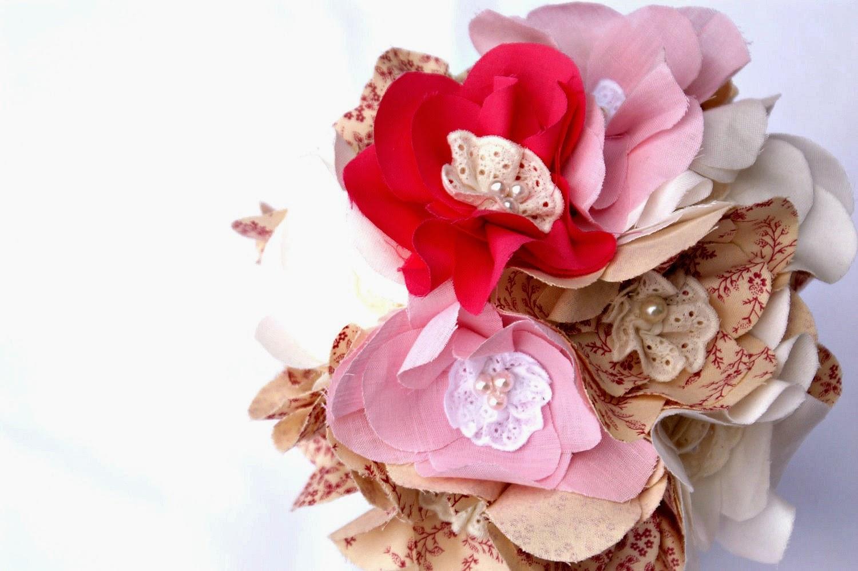 flores feitas de tecido de algodão