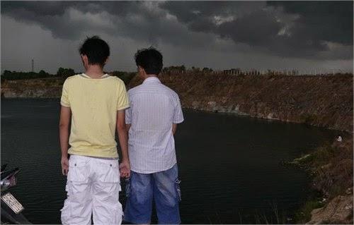 Vén màn bí mật bên hồ 'ma ám' ở làng đại học