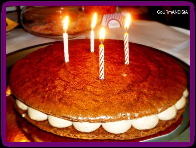 image Macarons au chocolat gâteau anniversaire