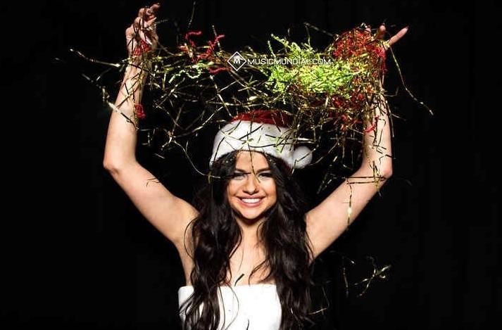 Selena Gomez al estilo navideño para el 2015.
