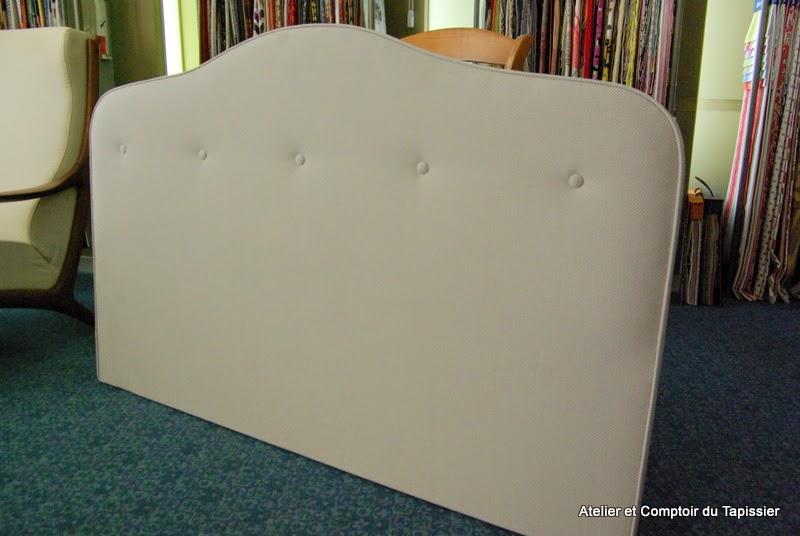 atelier et comptoir du tapissier t te de lit capitonn e. Black Bedroom Furniture Sets. Home Design Ideas