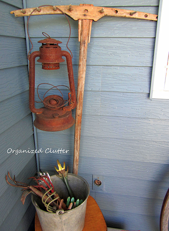 Vintage/Junk Decorating on the Covered Patio www.organizedclutterqueen.blogspot.com