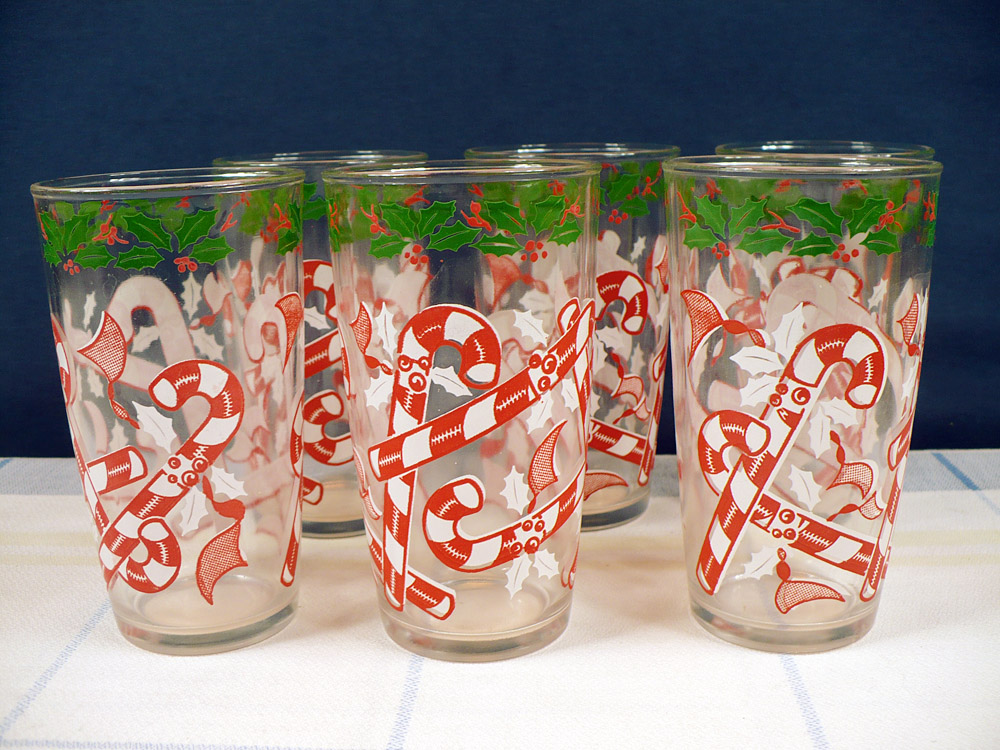 vintage candy cane decorated drinking glasses set - Christmas Drinking Glasses