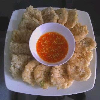 http://weresepmasakan.blogspot.com/2015/03/resep-cilok-goreng-enak-dan-gurih.html