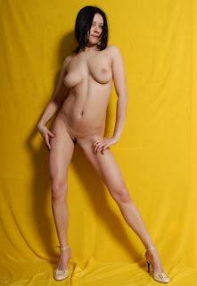 Free Sexy Picture - sexygirl-AAOAABAAFKBA025-773368.jpg