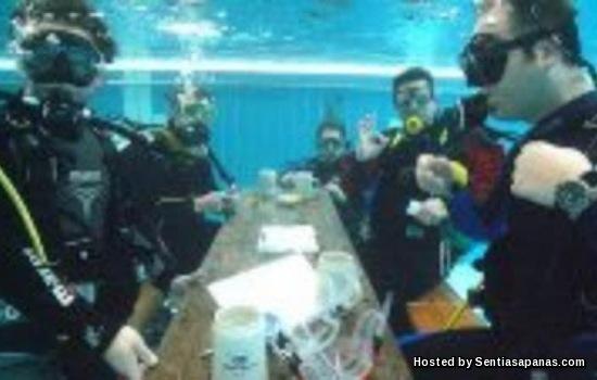 Underwater-card-game