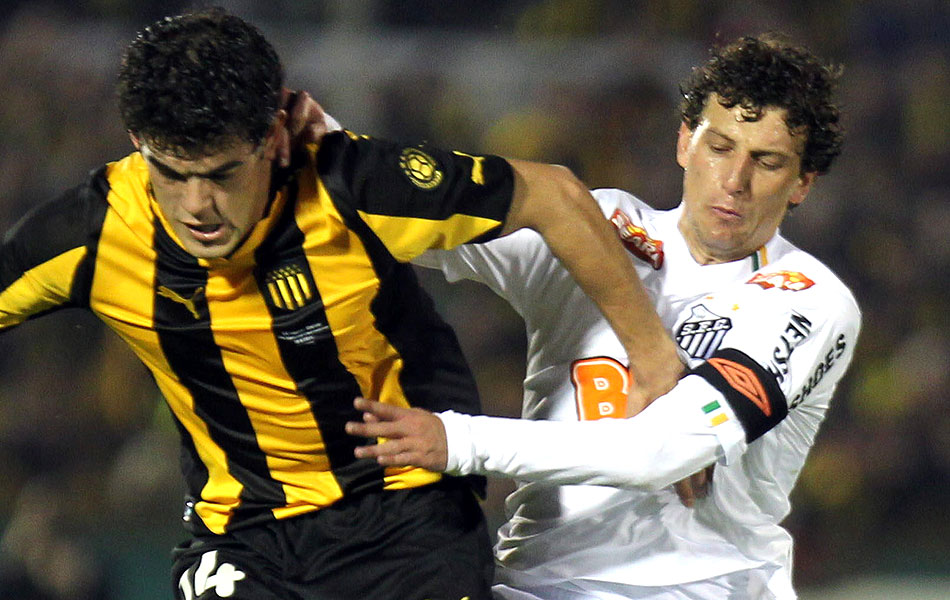 Elano na marcação pelo Santos
