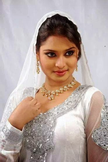 Bangladeshi Films New Light Actress Shirin Shila Has Become Very Popular