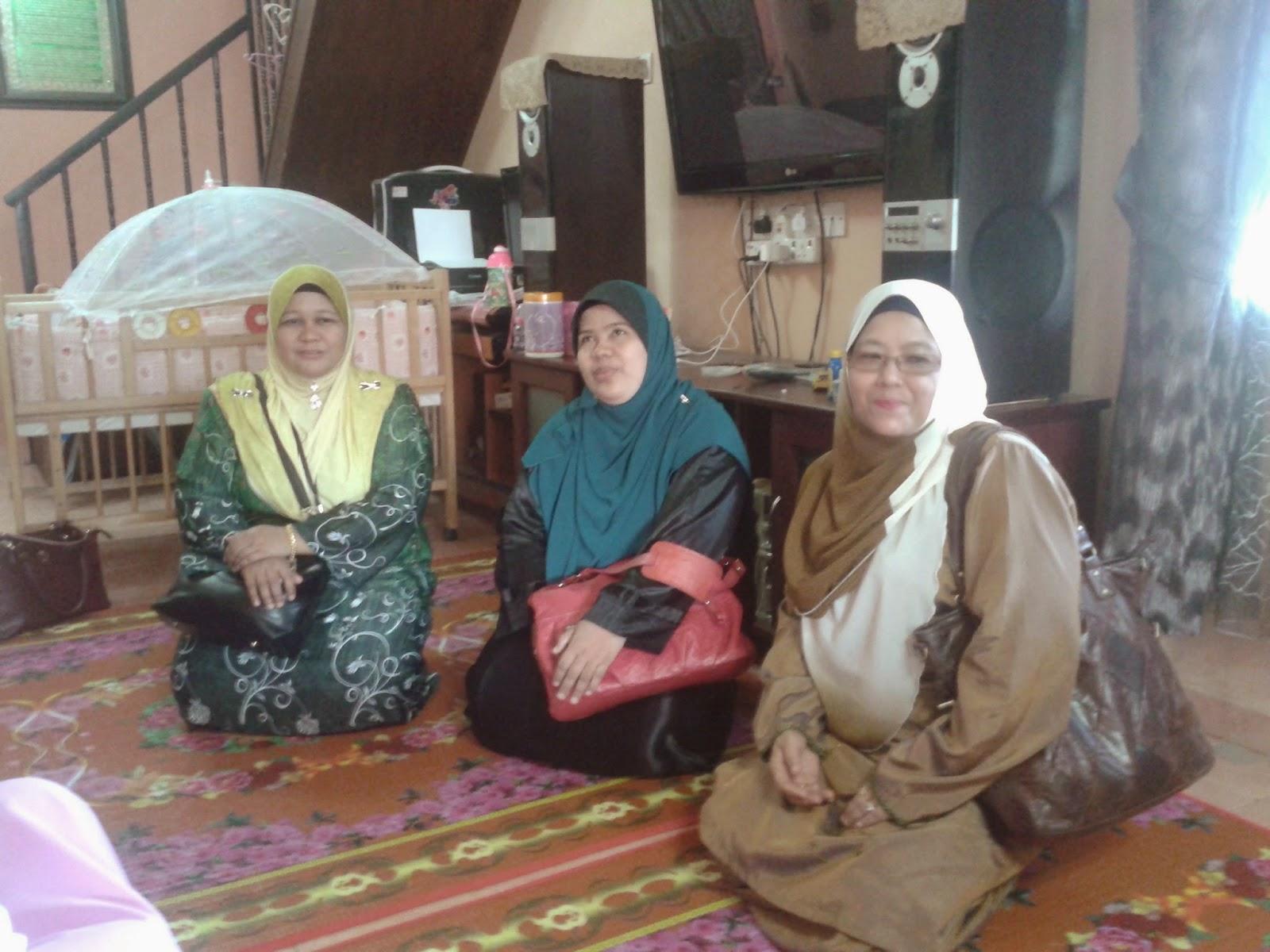 Puan Noor Fazila, Puan Aniza dan Puan Hajah Azaniah turut hadir