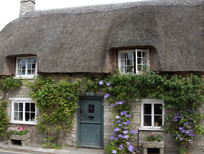 Thatched cottage in Corfe