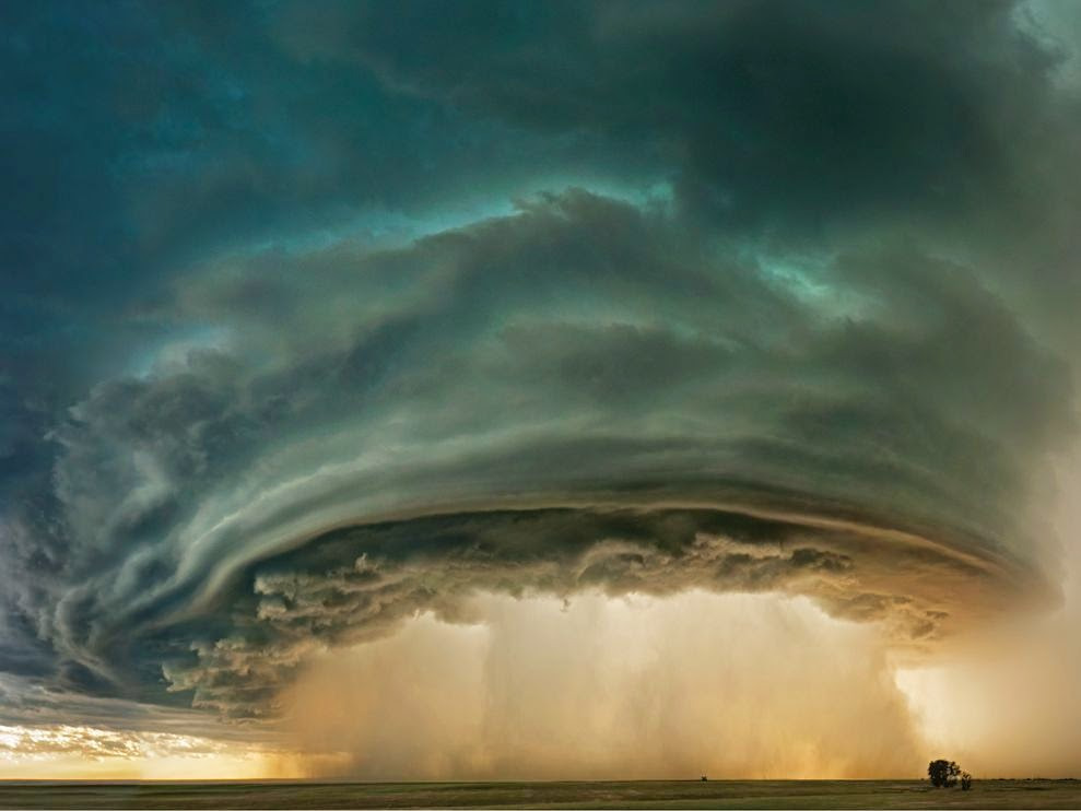 Thunderstorm near Glasgow, Montana  (Credit: s.ngm.com) Click to enlarge.