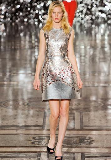 Метална сребърна рокля от Giles