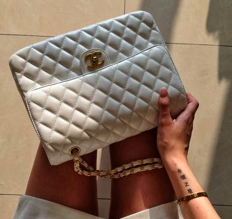 White Colour Clutch