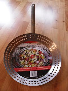 Grillpfanne Raclette auf dem Grill Rustico