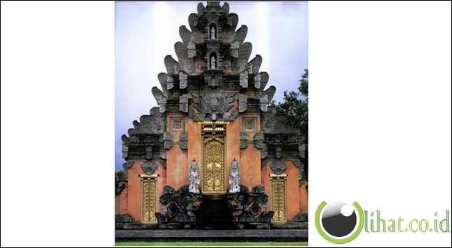 Sebelum digunakan oleh pemerintah Indonesia, Istana