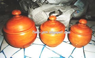 Toples Lebaran Kayu Jati