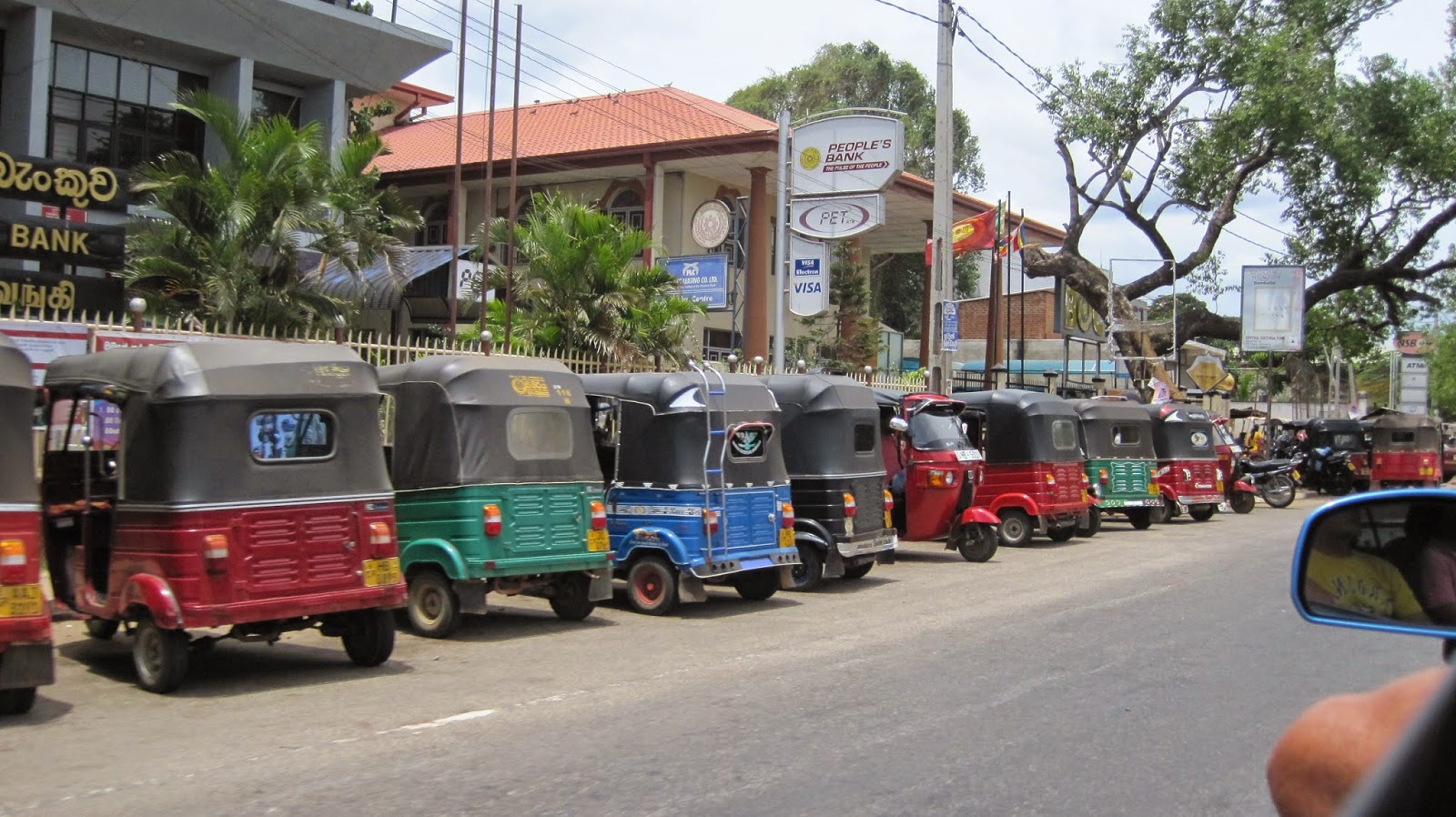 El tuk tuk es el medio de transporte más utilizado en Sri Lanka